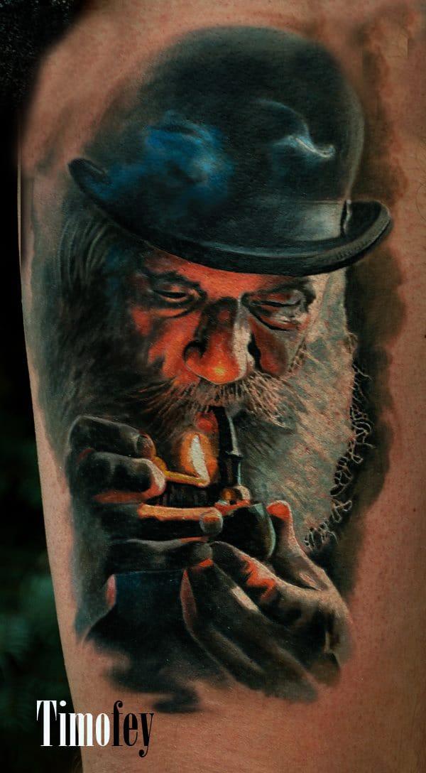 Mann mit Hut und Bart, der eine Pfeife raucht Tattoo