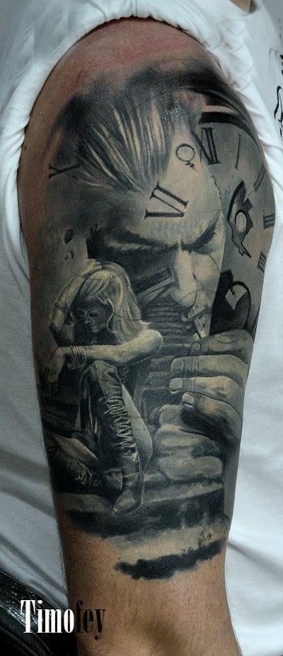 Ein Gesicht von einem Mann der raucht, eine Uhr und eine Frau die traurig auf einer Treppe sitzt Tattoo