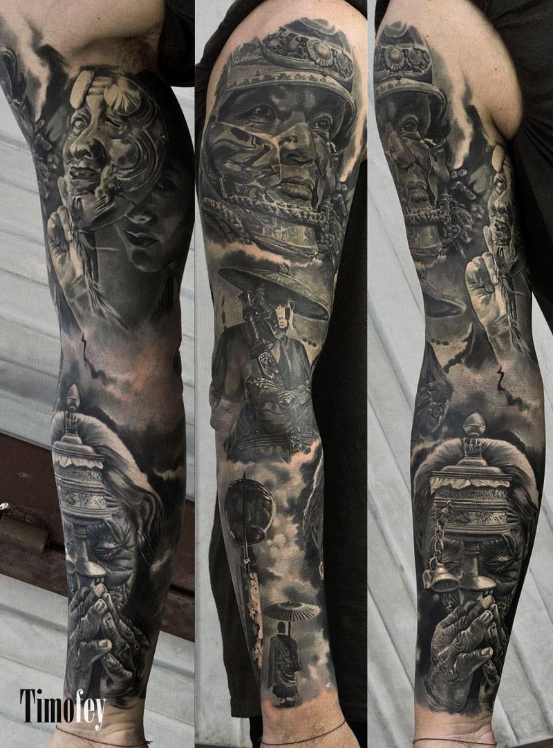 Mehrere Gesichter mit Ausrüstung Tattoo