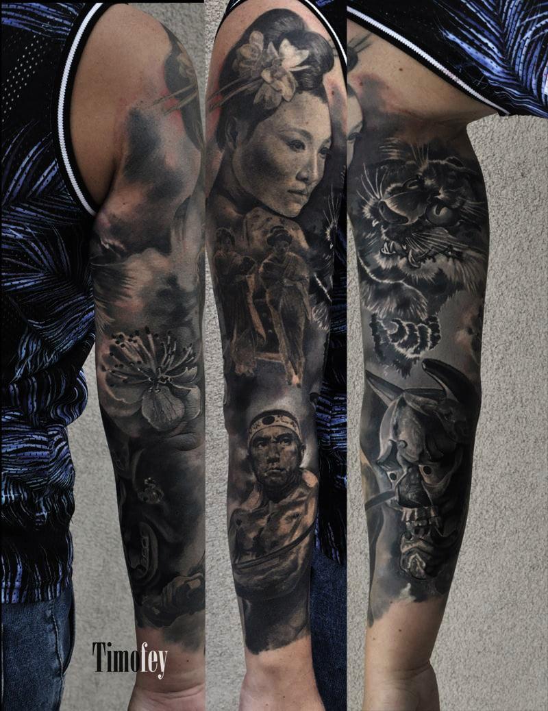 Asiatische Frau mit mehreren Details Tattoo