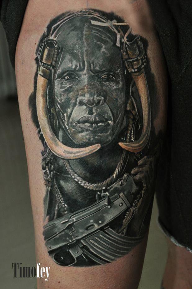 Mann mit Kopfbedeckung Tattoo