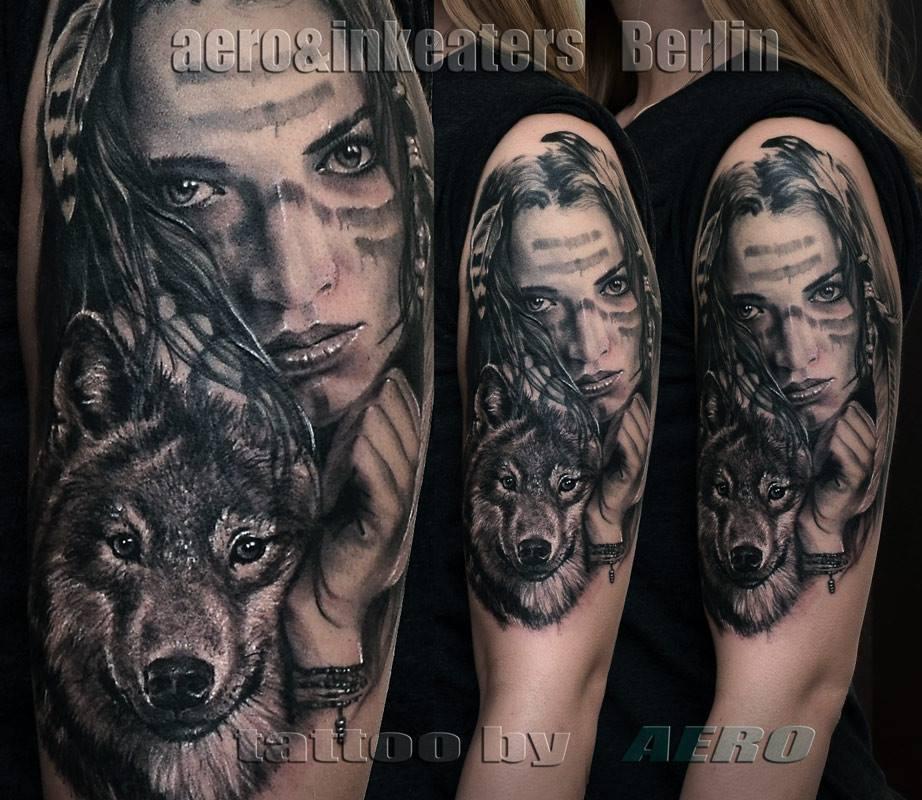 Tattoo von Frauengesicht mit Hund im Vordergrund