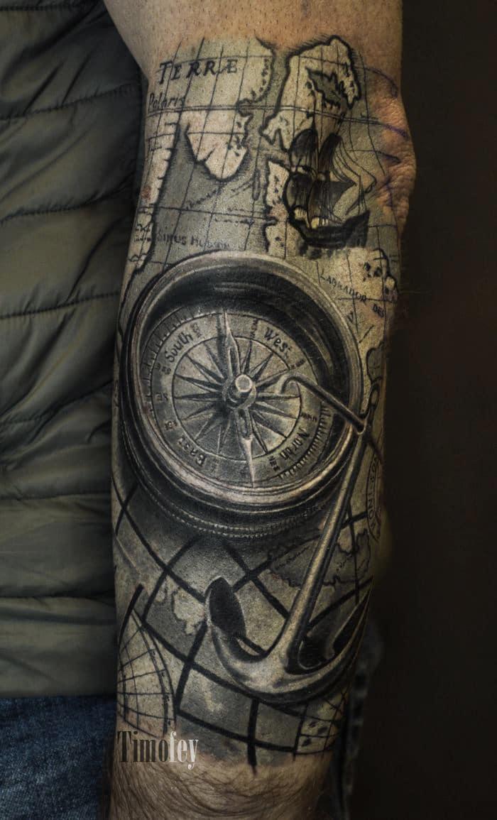 Karte mit Compass Tattoo
