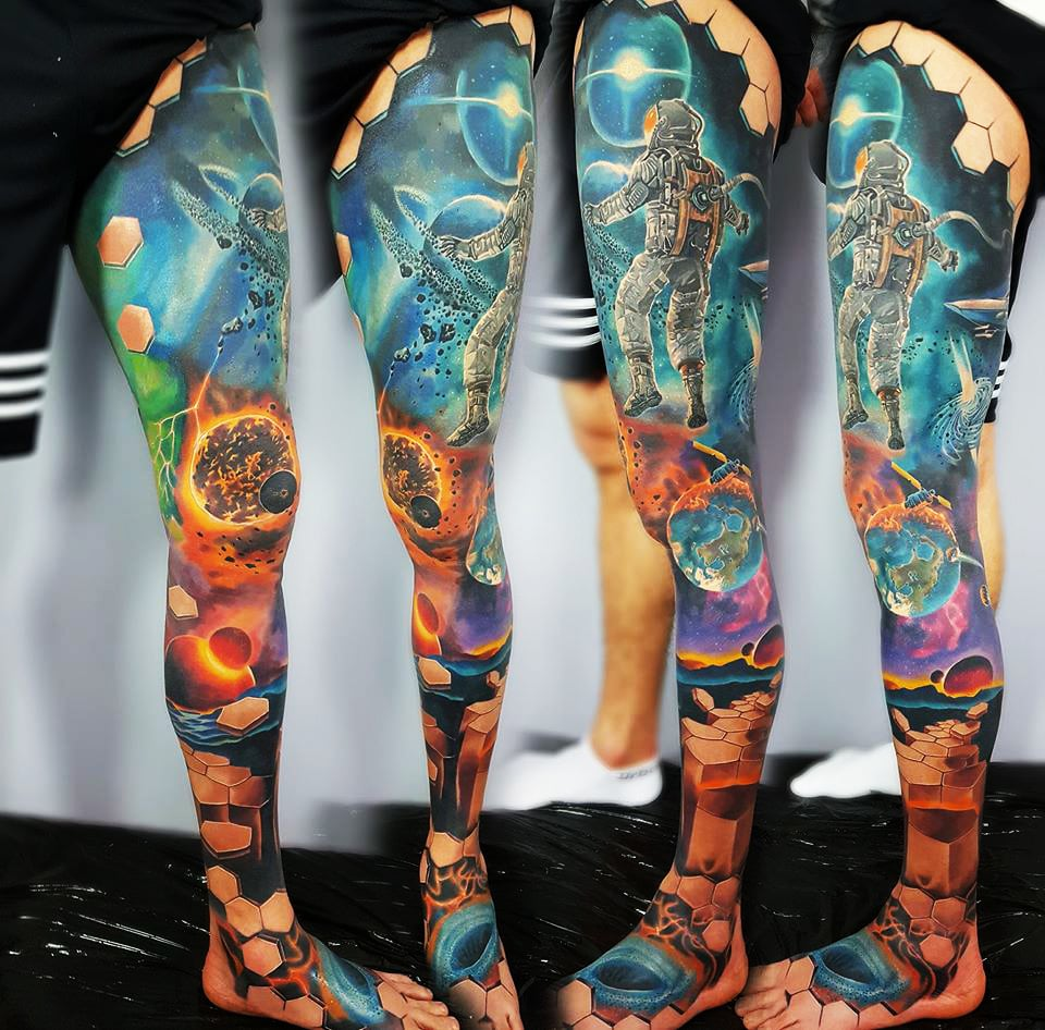 Weltraum Tattoo