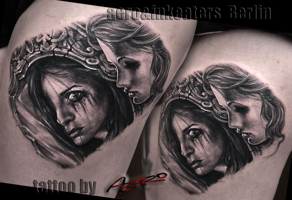 Tattoo von zwei weiblichen Gesichtern, die eine mit verwischtem Make-Up, auf dem Oberschenkel.