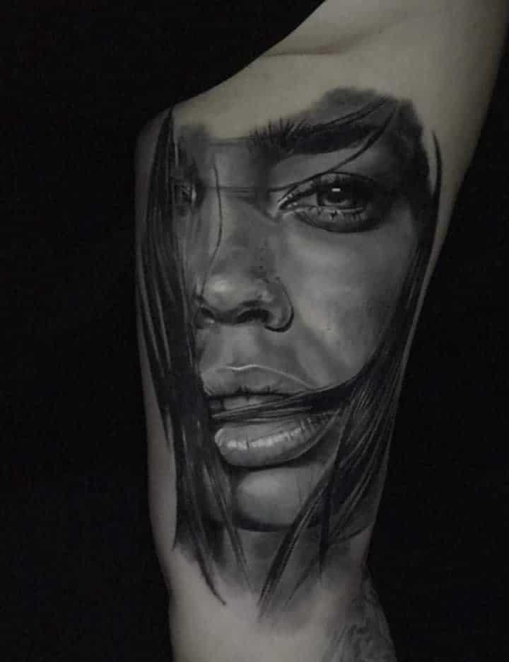Gesicht einer Frau Tattoo