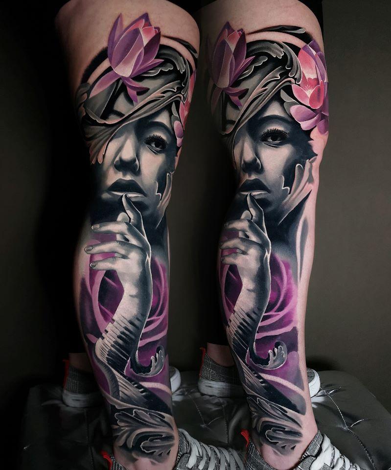 Frau mit Blume und Klavier Details Tattoo