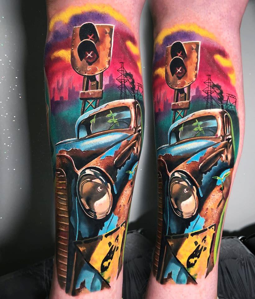Wuchertes Auto Tattoo